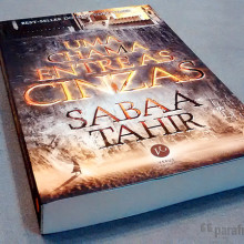Uma Chama entre as Cinzas - Sabaa Tahir